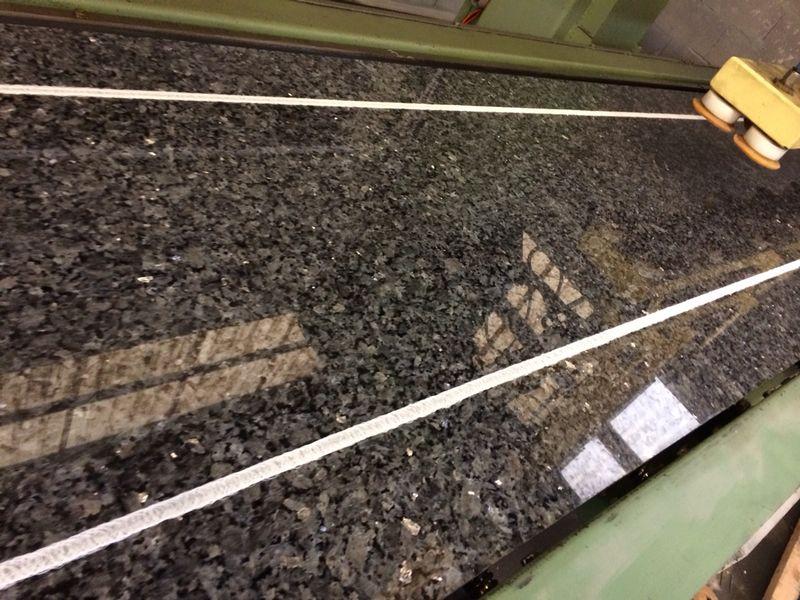 Encimeras de granito revestimiento de granito baldosas for Baldosas de granito